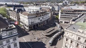 Das Herz des Schweizer Finanzplatzes, der Zürcher Paradeplatz (Archivbild).