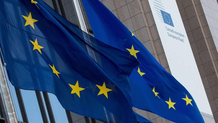 EU-Flaggen vor der Europäischen Kommission: Das Coronavirus stellt Brüssel vor eine echte Bewährungsprobe.