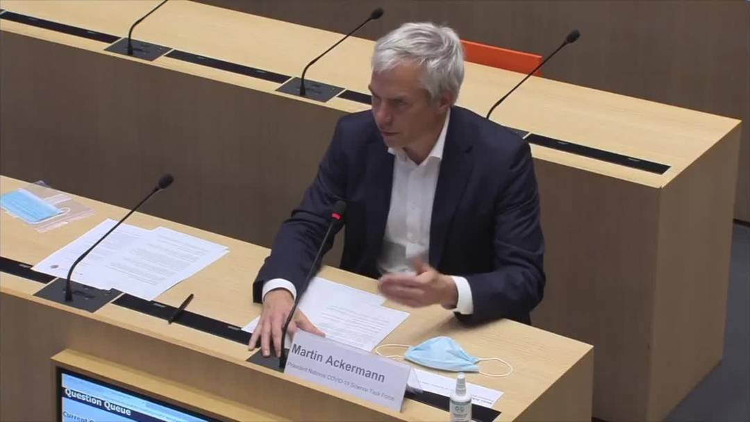 """Martin Ackermann, Präsident der wissenschaftlichen Covid-19-Taskforce: """"Zu Hause bleiben, wann immer es möglich ist"""" (27.10.2020)"""