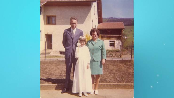 Familie und Umfeld beschreibt sie als katholisch und konservativ.