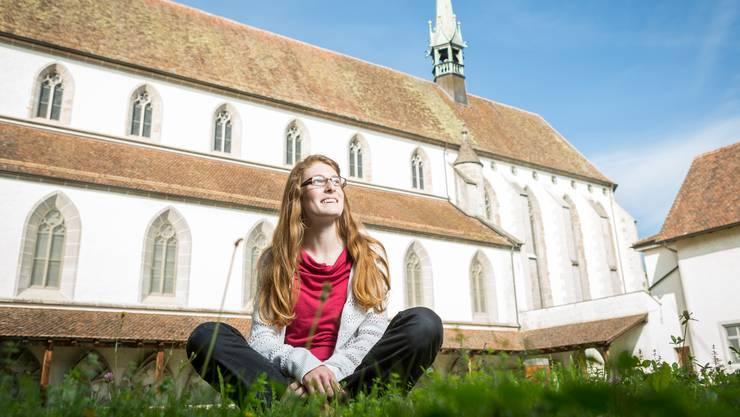 Das Areal der Klosterkirche Königsfelden regte die Kreativität der Bündnerin Lea Gafner an. Nach dem Besuch schrieb sie eine Geschichte nieder, die von der Klosteraufhebung handelt.