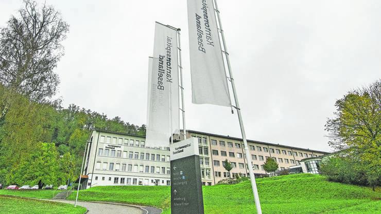 Das Spital Laufen wird zum Ambulatorium und wohl näher zum Bahnhof ziehen.