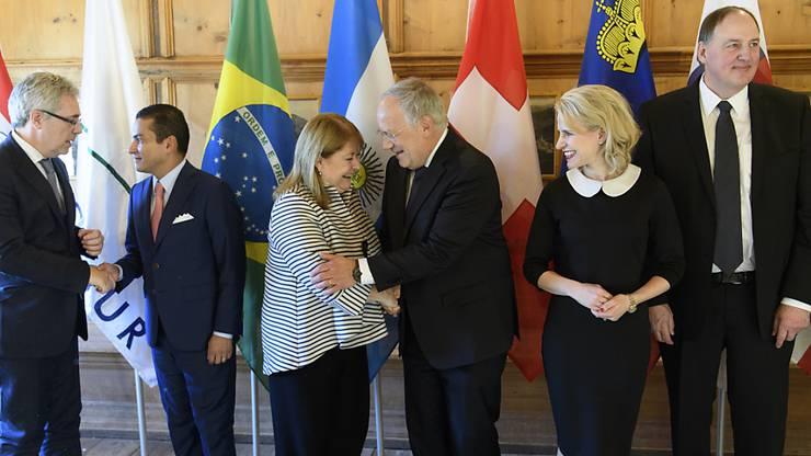 Die Vertreter der Freihandelsassoziationen EFTA und MERCOSUR machen in Davos den Weg frei für Verhandlungen.