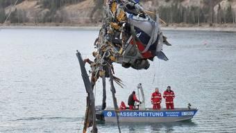 Beim Absturz in den Achensee starben vier Helikopter-Insassen