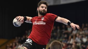 Topskorer Milan Skvaril und sein HSC Suhr Aarau streben bei den Kadetten Schaffhausen den fünften Sieg im sechsten Finalrundenspiel an.