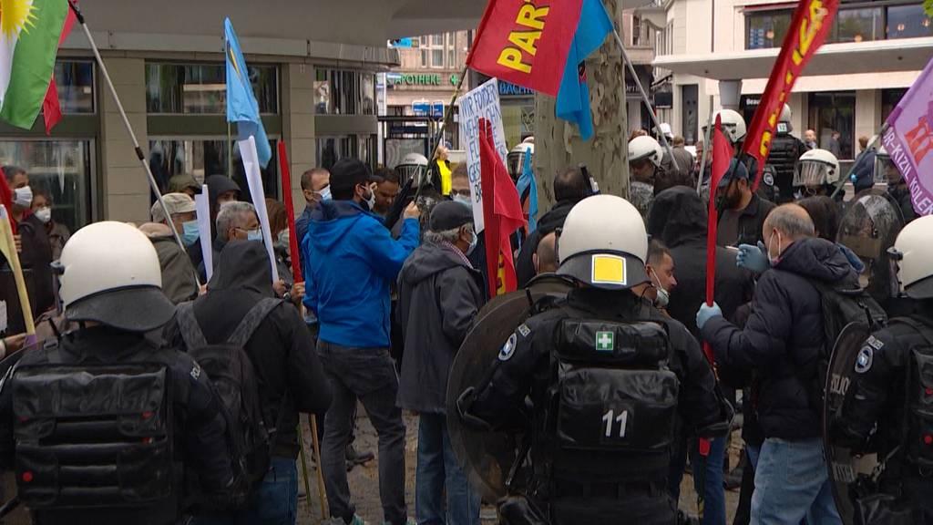 Uneinigkeit über Polizeitaktik am 1. Mai: Gewähren lassen oder festnehmen?
