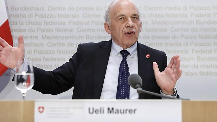 Der Bundesrat will nächstens über Staatshilfe für die angeschlagene Fluggesellschaft Swiss entscheiden, wie Finanzminister Ueli Maurer am Freitag in Bern sagte (Archiv)