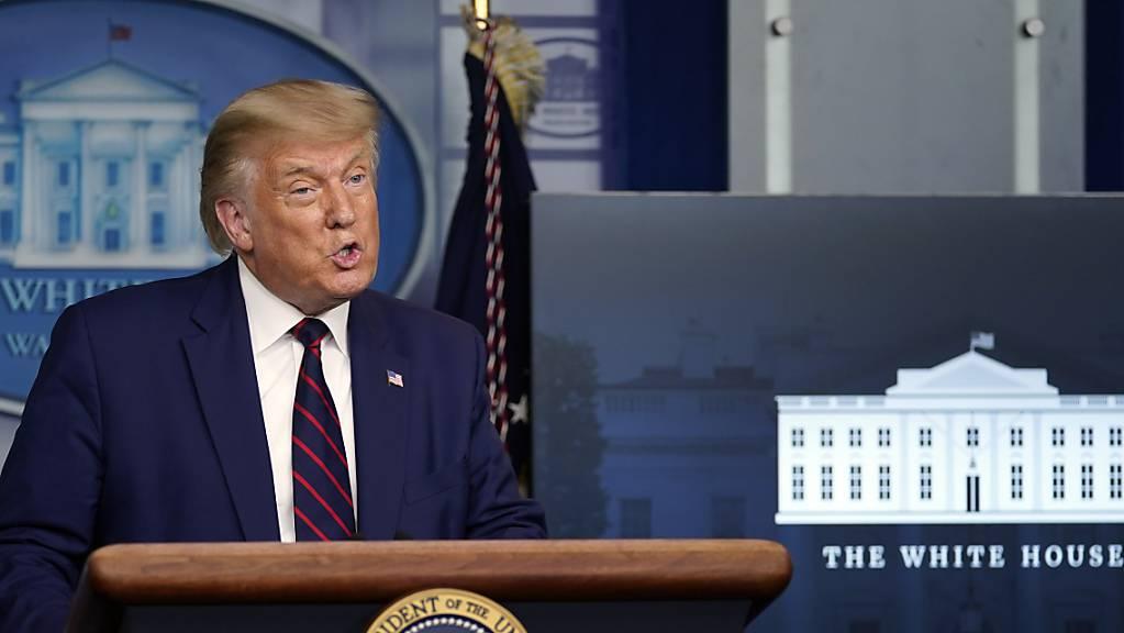 Donald Trump, Präsident der USA, spricht auf einer Pressekonferenz im Weißen Haus. Foto: Evan Vucci/AP/dpa
