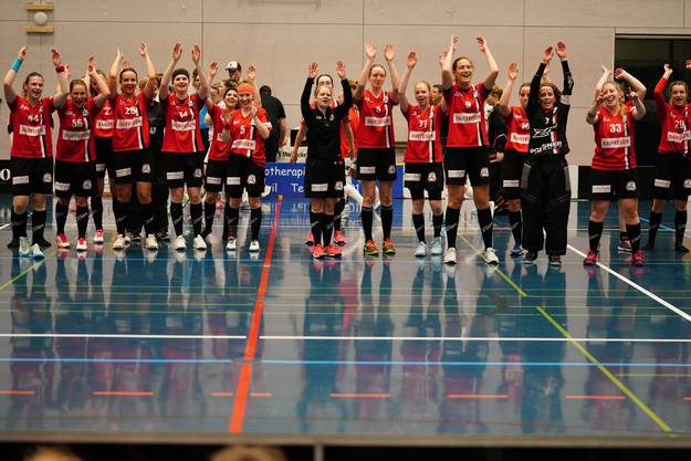 Grosse Freude nach klarem Sieg im Schweizer Cup.