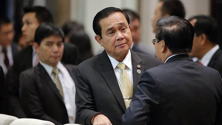 Der thailändische Premierminister Prayut Chan-o-Cha bei der heutigen Eröffnung des ASEM Treffens in Ulan Bator, Mongolei.  Die Thailänder sollen in drei Wochen in einem Referendum über ihre zukünftige Verfassung entscheiden. Doch freie Diskussionen darüber sind  nicht erlaubt.