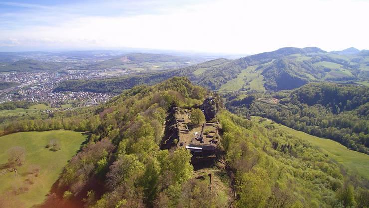 Die Ruine Froburg erhält derzeit ein Facelifting über rund 170 000 Franken. Die Sanierungsarbeiten dauern von Mitte Mai bis Mitte Juli.