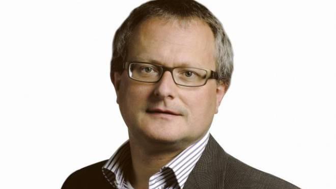 Werner De Schepper ist gebürtiger Belgier, lebt seit 1965 in der Schweiz und hat seit 2009 auch den Schweizer Pass. Heute ist er Chefredaktor von TeleBärn.