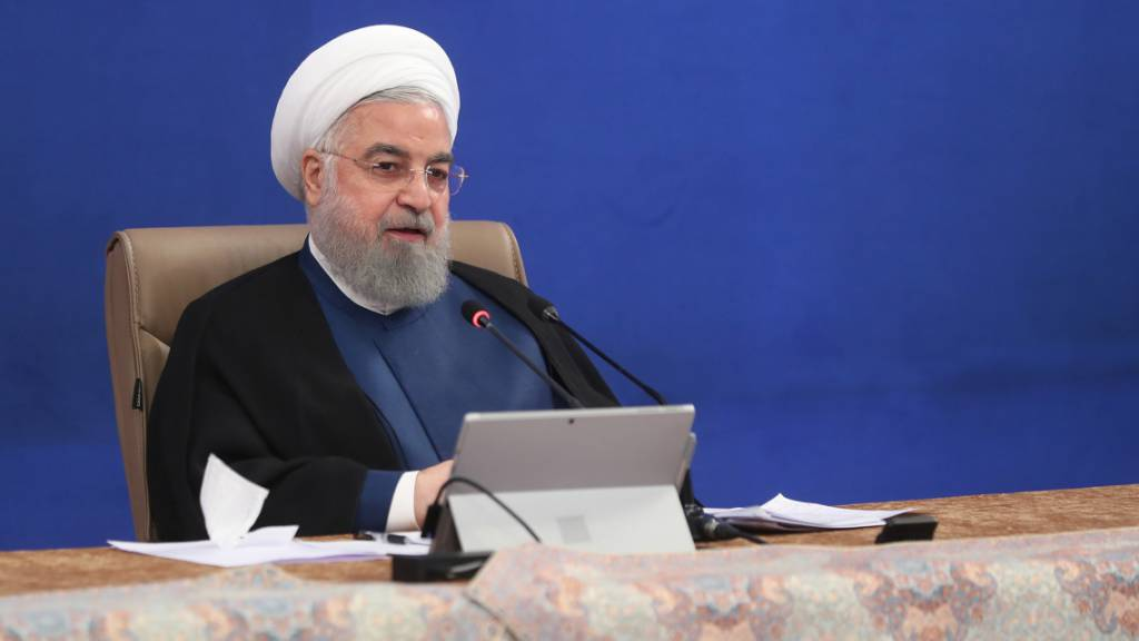 HANDOUT - Hassan Ruhani, Präsident des Iran, leitet eine Kabinettssitzung. Foto: -/Iranian Presidency/dpa - ATTENTION: editorial use only and only if the credit mentioned above is referenced in full