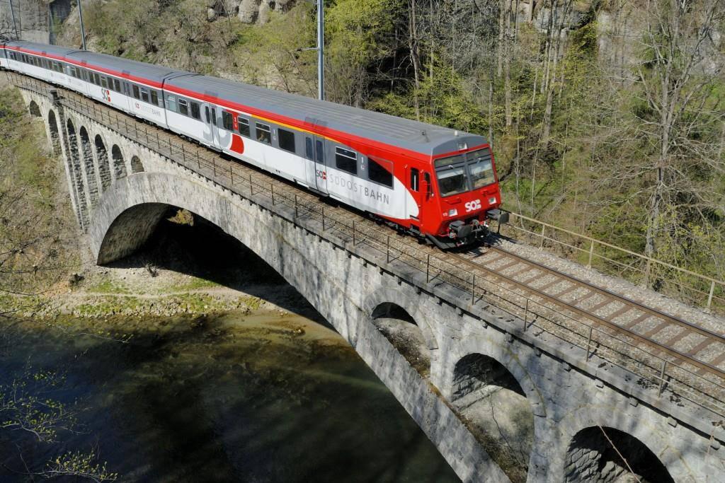 Die SOB früher und heute (© SOB Südostbahn/flickr)