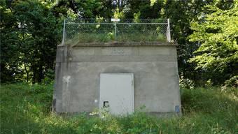 Das Reservoir am Forstweg in Lommiswil wurde 1933 mit dem Aufbau einer öffentlichen Wasserversorgung gebaut. Ab 1952 floss Wasser von der Gänselochquelle ins Reservoir.