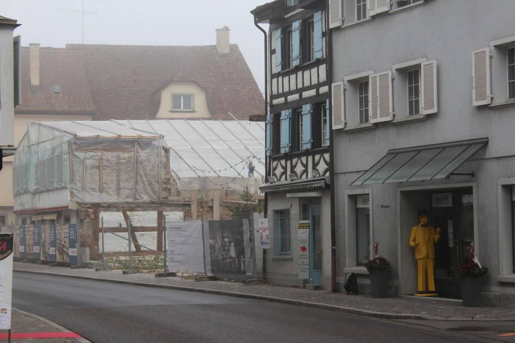 Trist und traurig sieht es ein Jahr nach dem Brand in der Altstadt von Steckborn aus.