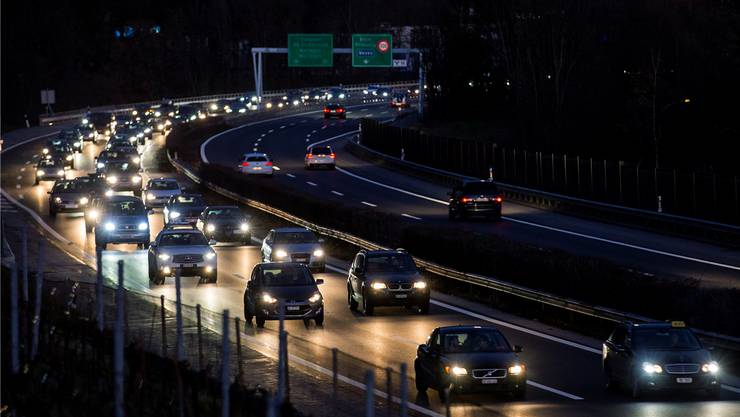 Auf manchen Nationalstrassen ist der Verkehr dicht – ein neuer Fonds soll Abhilfe schaffen.Cyril Zingaro/Keystone