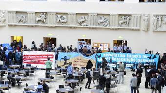 Zürcher Studenten demonstrieren gegen IWF-Chefin Christine Lagarde