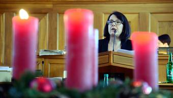 Die Finanzkommission hat den Weg durch den Budgetdschungel gepfadet: Präsidentin Beatrix Frey-Eigenmann (FDP) referiert im Parlamentssaal.