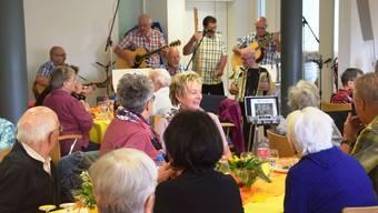 Sommerfest im Altersheim Lindenpark in Windisch