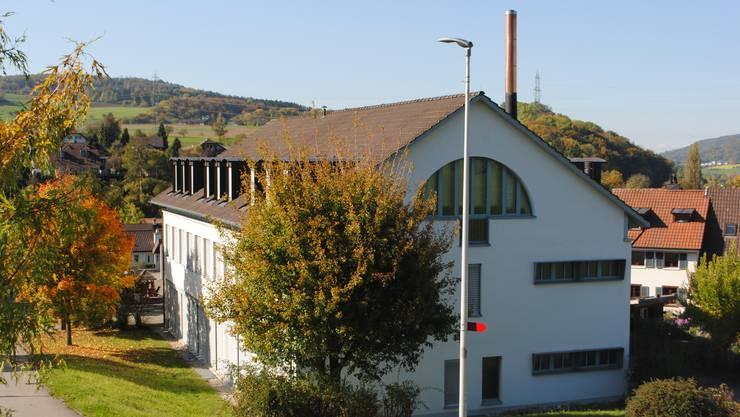 Im Wegenstettertal werden seit kurzem Unterschriften gesammelt, um die Zukunft der Kreisschule zu sichern.