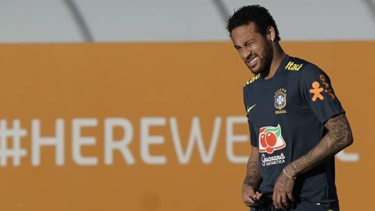 Neymar leidet unter Knieschmerzen