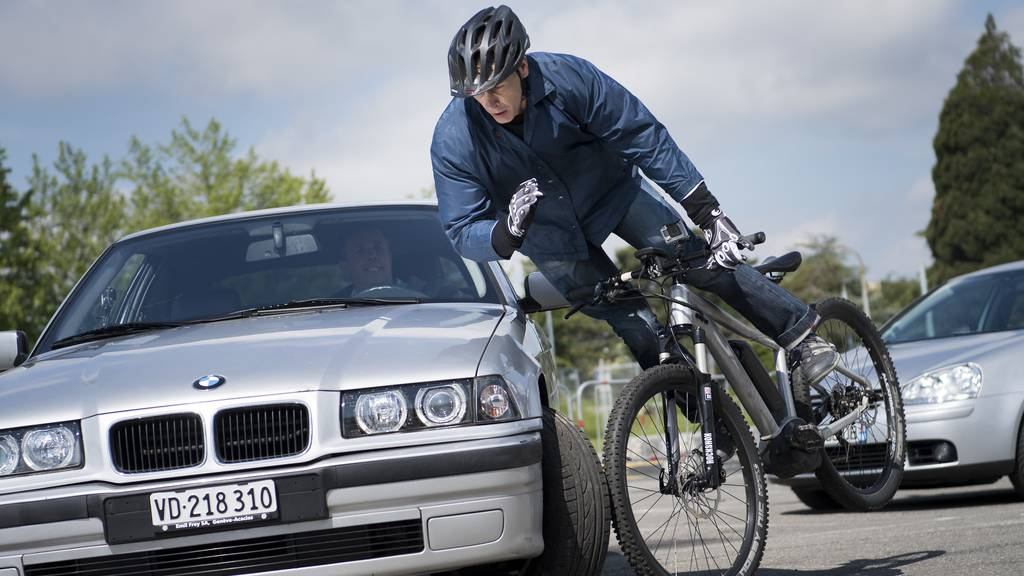 Kommt jetzt die Helmpflicht für langsame E-Bikes?