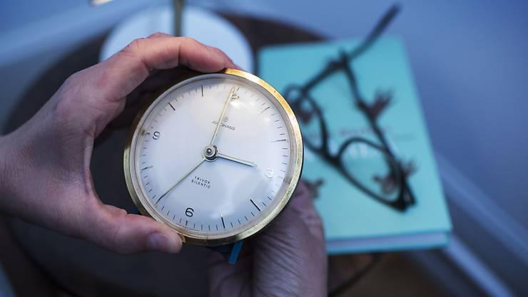 Es ist wieder Sommerzeit: In der Nacht auf Sonntag werden die Uhren um 2 Uhr eine Stunde vorgestellt. Die Sommerzeit dauert bis zum 25. Oktober. (Symbolbild)