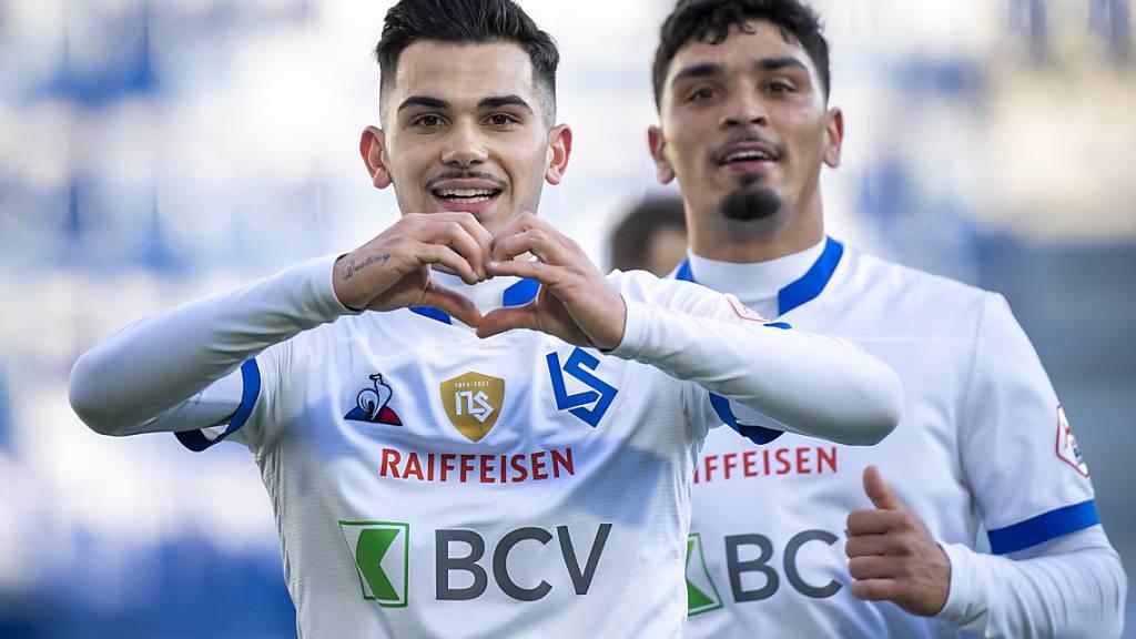 Lucas Da Cunha (gauche) kann seine Freude nach dem 2:0 nicht verhehlen. Auch Cameron Puertas (rechts) freut sich.
