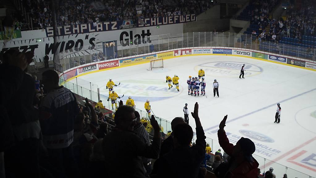 Auch die Swiss League bietet spektakuläres Hockey.