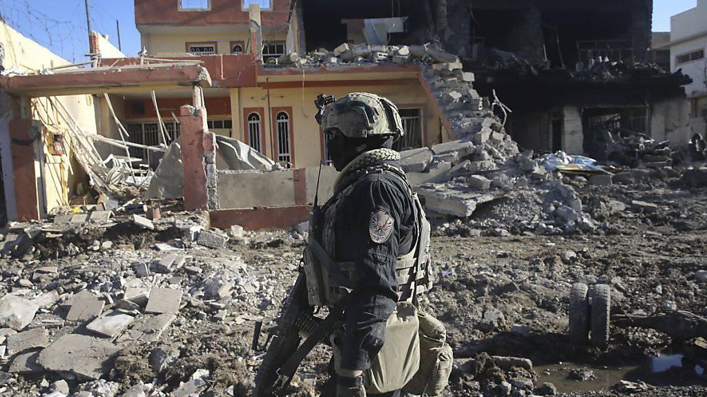 Die monatelange Belagerung Mossuls hinterliess eine zerstörte Stadt und viele Tote. Laut UNO richtete der IS in dieser Zeit Hunderte Zivilisten hin.