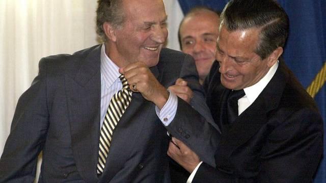 Adolfo Suárez (rechts) 2002 mit dem spanischen König Juan Carlos