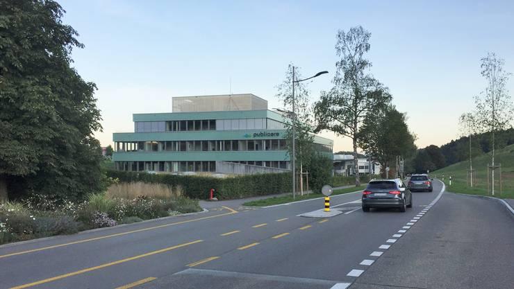 Geht es nach den Plänen des Mobilfunkanbieters Sunrise, sollen auf dem Dach des Gewerbehauses der Publicare AG zwei Antennen installiert werden.