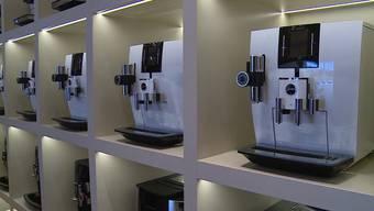 """Der Kaffeemaschinenhersteller """"Jura"""" ist so erfolgreich wie noch nie. Mitverantwortlich für die guten Zahlen ist auch Werbegesicht Roger Federer."""