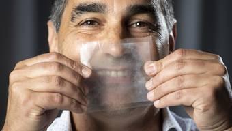 Die transparente Chirurgenmaske soll die Beziehung zwischen Pflegepersonal und Patienten verbessern.