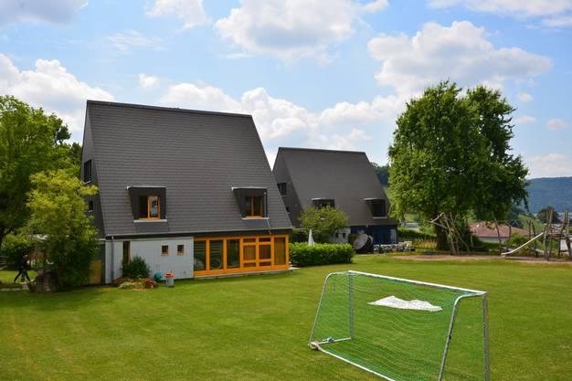 Mit seinen Bauten, Plätzen und Wegen wirkt das vom Architekten Peter Deucher entworfene Kinderheim Klösterli wie ein kleines Dorf und ist siedlungs- und sozialhistorisch bedeutsam.