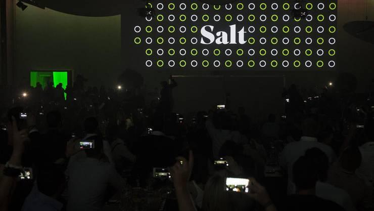 Salt leidet wegen Reisebeschränkungen zwar unter fehlenden Roaming-Umsätzen, kann im Inland jedoch weiterhin neue Kunden gewinnen.