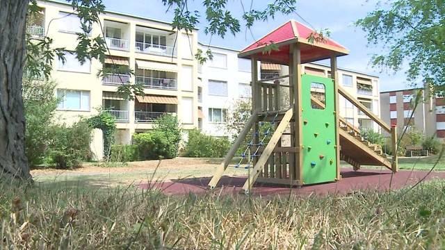 Sex-Grüsel von Baden wohnt neben Spielplatz