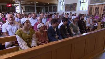 Dietschis in der Kirche: Dort bekamen sie auch eine Hostie. (Archiv)