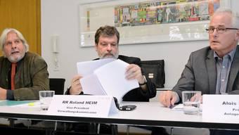 Roland Heim (mitte) an der letzten Medienkonferenz der PKSO. Neben ihm Verwaltungskommissions-Präsident Beat Käch (links) und Alois Müller, Präsident Anlageausschuss. (Archiv)