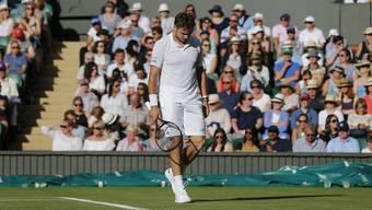 Stan Wawrinka hat mit sich zu kämpfen und scheitert in der ersten Runde von Wimbledon, begleitet von Schmerzen in den Knien, an Daniil Medwedew.