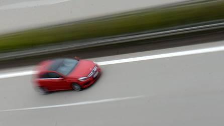Auto auf einer deutschen Autobahn. (Archiv)