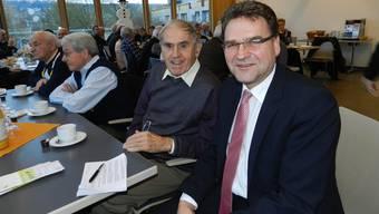 Beat Villiger (rechts) mit dem früheren Gemeindeschreiber von Merenschwand, Leonz Leuthard, Vater von Bundesrätin Doris Leuthard.
