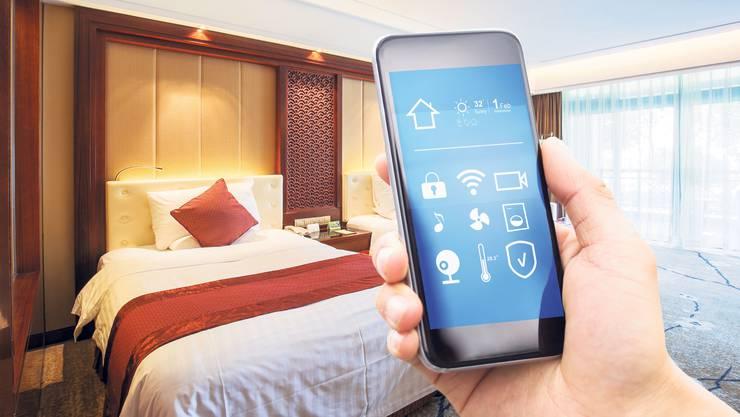 Das Smartphone wird künftig auch bei Dienstleistungen in Hotels vermehrt eine Rolle spielen.