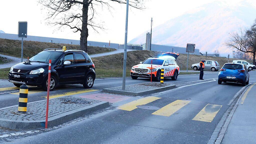 Ein Verkehrsunfall am Montag in Mollis GL ging glimpflich aus. Ein zehnjähriges Mädchen auf dem Fahrrad stürzte, ohne sich zu verletzen.