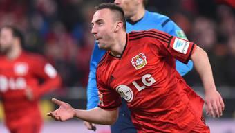 Josip Drmic schisst im Spiel gegen Stuttgart zwei Tore.