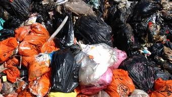 Einen Haufen Geld gefunden im Abfallberg (Symbolbild)