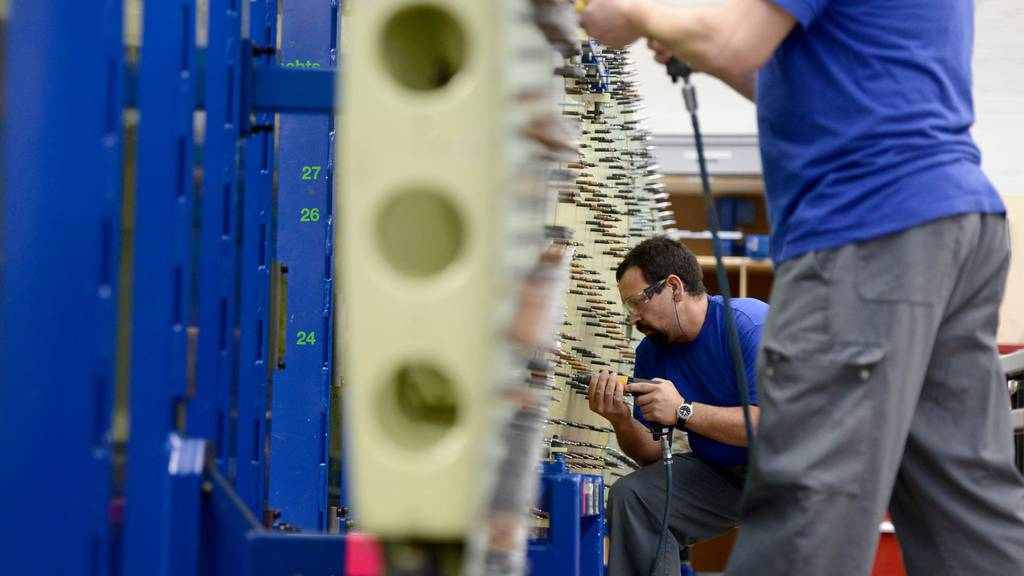 KOF sieht Talsohle in der Schweizer Wirtschaft durchschritten