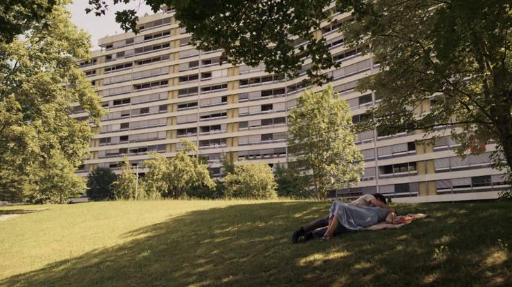 Die ahnungslose Vanessa verliebt sich in den falschen Mann – Szene aus Folge 2 der Finalen «Bestatter»-Staffel.