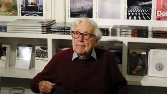Der legendäre US-Fotoredaktor John G. Morris ist tot. Er starb am Freitag in Paris im Alter von 100 Jahren. (Archivbild vom 14. Oktober 2014)